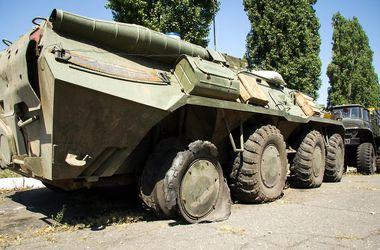 Николаевские десантники показали технику, поврежденную террористами в зоне АТО