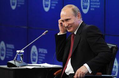 """Путин признал, что Россия применила в Крыму свою армию и назвал обвинения Запада в аннексии """"пустыми"""""""