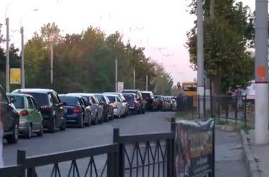 Желающие уехать из Крыма создали транспортный коллапс в Керчи