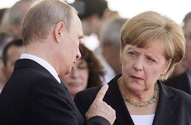 Путин и Меркель обсудили гуманитарную ситуацию в Украине