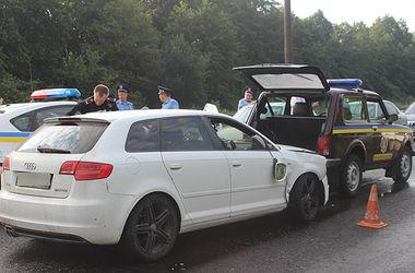 Во  Львовской области задержан  водитель, протаранивший  патрульное авто