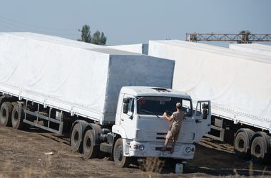 """Часть """"гуманитарного конвоя"""" РФ пыталась прорваться в Украину - СНБО"""