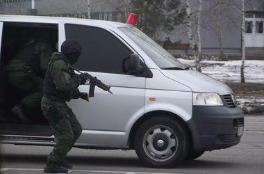 Порошенко разрешил милиции стрелять без предупреждения в террористов в зоне АТО