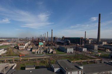 Работники Авдеевского коксохима с семьями живут на территории  завода, чтобы не попасть под пули
