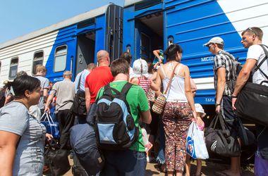 Количество госпитализированных переселенцев с Донбасса увеличилось до 2502 человек, из Крыма - до 349 - Минздрав