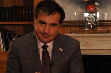 Саакашвили отправил правительству Грузии свои костюмы и пальто