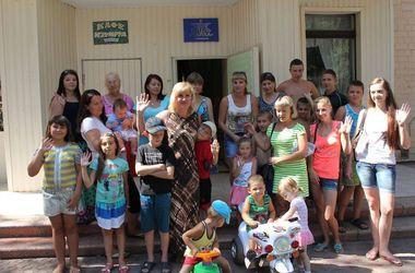 """Переселенка из Зугрэса: """"Мы уехали с двумя детьми буквально накануне обстрелов"""""""