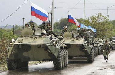 В Луганск прорвались несколько десятков тяжелой бронетехники из РФ