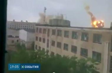 В Донецке снаряды превратили в руины дома и магазины
