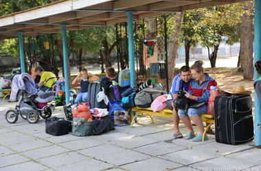 Украинских беженцев из Крыма отправляют в Сибирь