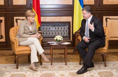 Порошенко заверил Меркель в единстве Украины