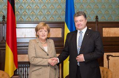 Меркель сейчас согласовывает с Порошенко компромиссный план Путина и ЕС – Карасев