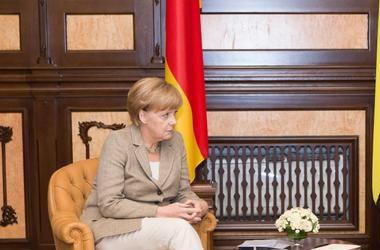 Меркель о предложении федерализации: В Украине это называется децентрализация