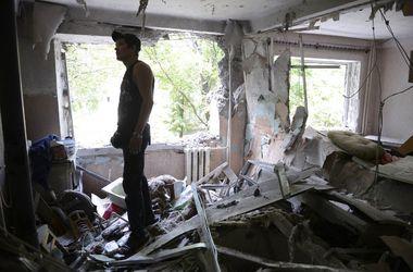 В Луганске в результате обстрелов пострадали 68 мирных жителей - СНБО