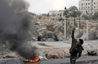 Израильская армия за ночь нанесла удары по 17 целям в секторе Газа