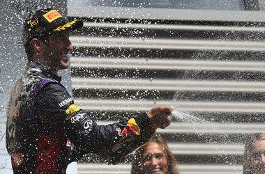 Даниэль Риккардо второй раз подряд выиграл этап Формулы-1