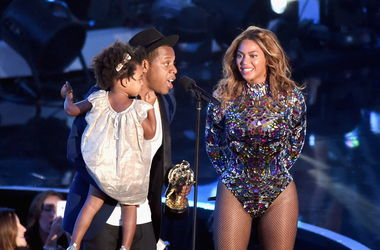 Муж довел Бейонсе до слез прямо на сцене церемонии  MTV Video Music Awards
