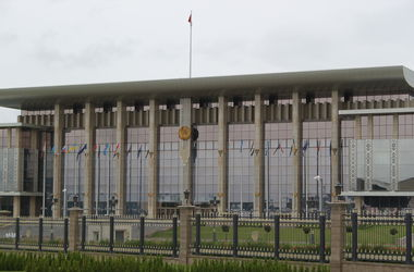 В Минске обсудят новый газовый контракт, торговлю с РФ и условия мира в Донбассе