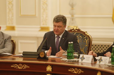 Порошенко считает, что диалог с нынешними представителями Донбасса невозможен