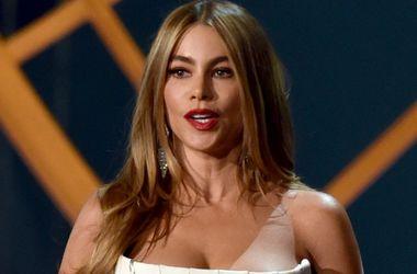 Актриса София Вергара считает своего жениха слишком красивым для появления на красной дорожке