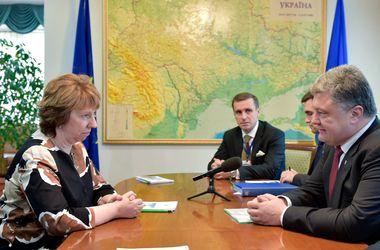 Порошенко в Минске заверил Эштон, что соглашение об ассоциации ратифицируют в сентябре