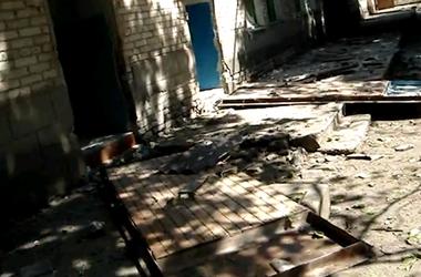 В Новоазовске под обстрел попала больница. Есть раненные
