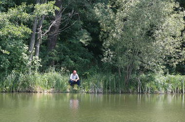 В киевском озере рыбаки нашли тело утопленника