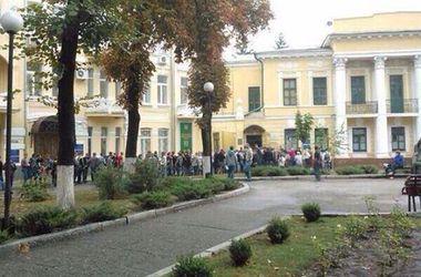 К военкомату в Харькове выстраиваются очереди из студентов