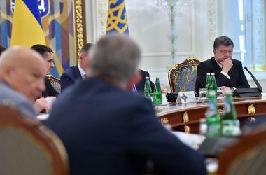Порошенко считает, что в ситуации в Иловайске виноваты командиры, которые ушли с линии обороны