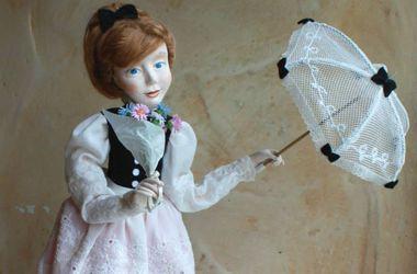 В Киеве на Подоле можно купить ангела и обнаженную русалку