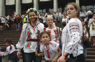 Киевских школьников не обязывали приходить 1 сентября в вышиванках - КГГА