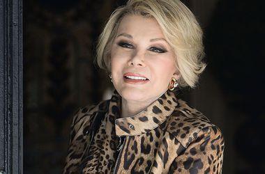 Телеведущая и актриса Джоан Риверс впала в кому