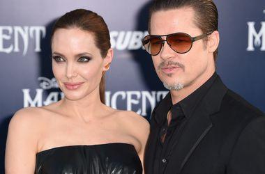 Анджелина Джоли и Брэд Питт пригласили на свадьбу 22 человека