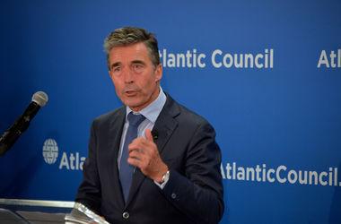 Расмуссен:  НАТО покажет решительную поддержку Украине