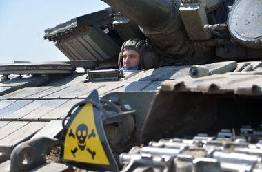 """За сутки силы АТО уничтожили 2 танка, 3 БТРа, 6 """"Градов"""" и 35 боевиков - пресс-центр АТО"""