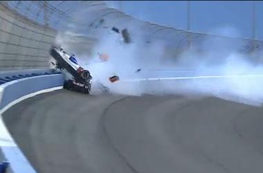 Российский гонщик попал в серьезную аварию во время гонок в США