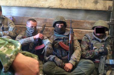 Выходя из Иловайска, бойцы АТО взяли в плен российских военных