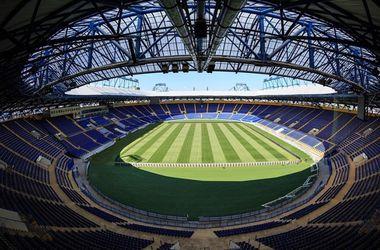 УЕФА не разрешил играть в Днепропетровске и Харькове