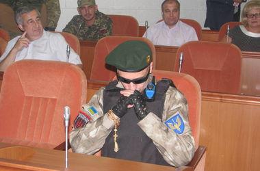 В Днепропетровске депутатам вручили повестки в армию