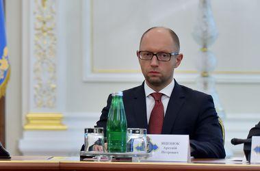 Яценюк: Нам нужен статус особенного партнера НАТО №1