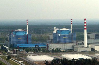 Украина будет строить новые энергоблоки АЭС - Яценюк