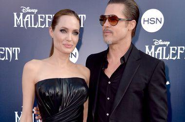 Джоли и Питт заплатили 200 тысяч долларов за медовый месяц без свидетелей