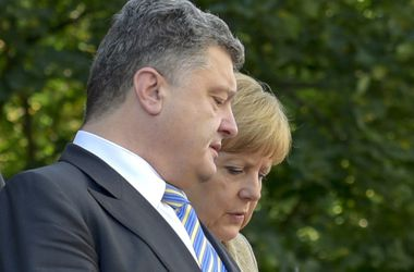 Порошенко и Меркель скоординировали позиции накануне саммита НАТО