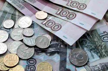 Рубль обесценивается из-за нависших над Россией санкций