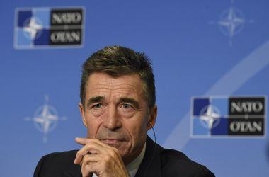 НАТО не может дать Украине оружие – генсек