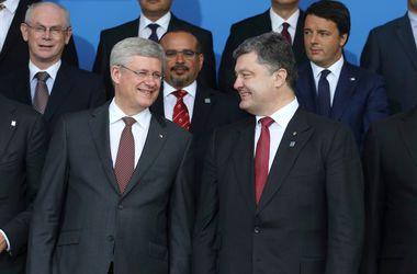 Порошенко: Основой начала мирного процесса в Донбассе должно стать прекращение огня и разоружение