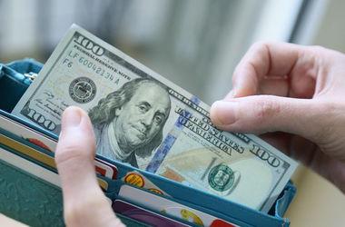 Ведущие прогнозы на 2015 год: Каким будет курс доллара, как изменятся цены и зарплата (инфографика)