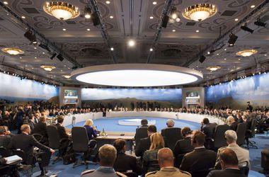 В итоговой декларации страны НАТО осудили политику России и требуют вывести войска из Украины