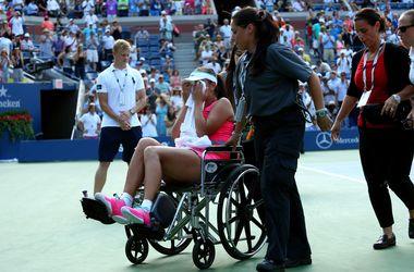 Каролин Возняцки стала первой финалисткой US Open, ее соперницу увезли с корта на коляске
