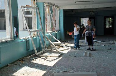 В ходе  боев повреждены 300 учебных заведений Донецкой и Луганской областей